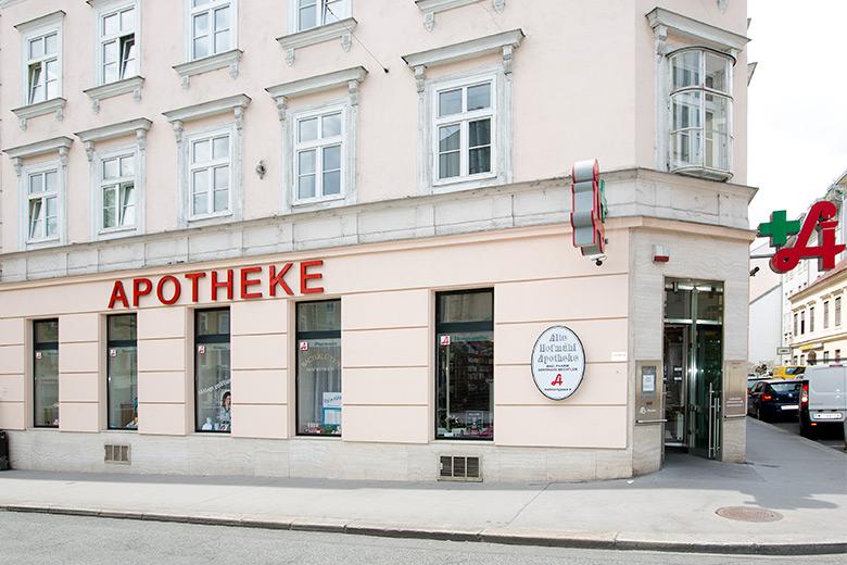 Alte Hofmuehl Apotheke Straßenansicht